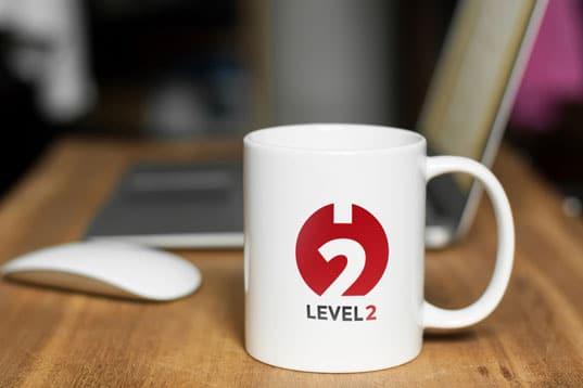 Poste de travail et mug Level2